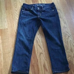 AMERICAN EAGLE OUTFITTERS SIZE 6 ARTIST CROP JEANS